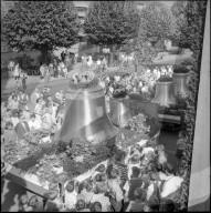 Feierlicher Glockenaufzug am Kirchturm Albisrieden, Zürich 1960
