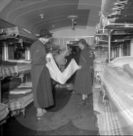 Rotkreuz-Spitalzug für Flüchtlinge aus Ungarn, Buchs 1956