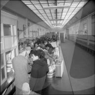 Spanische Gastarbeiter treffen in Genf ein, 1961