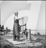 Waschen am Bodensee, 1944