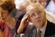 Silvia und Christoph Blocher an AUNS-Versammlung, 2004
