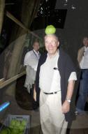 Christoph Blocher besucht die Tell-Aufführung auf dem Rütli 2004