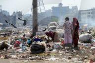 REPORTAGE - Bangladesch: Abfallberge in Dhaka