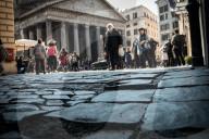 REPORTAGE - Rom - Eine Stadt im Verfall