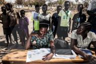 REPORTAGE - Menschen aus Süd Sudan leben und lernen im Flüchtlingscamp Plabek in Uganda
