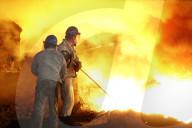 REPORTAGE - China: Eisen- und Stahlarbeiter Dalian