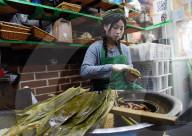 REPORTAGE - China: Reis Dumpling Herstellung