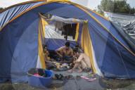 REPORTAGE - Flüchtling-Camps in Bosnien und Kroatien