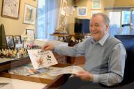 PORTRAIT - Albert Uderzo in seinem Büro im Jahr 2011