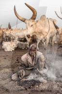 REPORTAGE - Völker der Erde: Fotograf portraitiert die Volksgruppe der Mundari im Südsudan