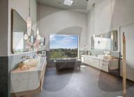 PEOPLE - Chrissy Teigen und John Legend wollen ihr Haus in Beverly Hills  für 23,95 Millionen Dollar verkaufen