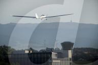 NEWS - Payerne: Erster Fallschirmsprung aus einem Solarflugzeug