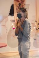 PEOPLE - Sarah Jessica Parker bedient Kunden in ihrem SJP-Schuhgeschäft in NYC