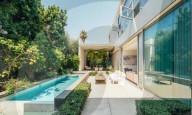 PEOPLE - Emilia Clarke bietet ihre moderne Villa in Venice für fast 5 Millionen Dollar zum Verkauf an