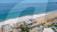PEOPLE -  Matthew Perry verkauft seine Junggesellenbude am Strand von Malibu fŸr 14,95 Millionen Dollar
