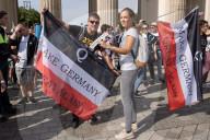 NEWS - Coronavirus: Proteste gegen Coronavirus-Massnahmen in Berlin
