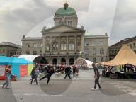 NEWS - Bern: Klimajugend besetzt Bundeshausplatz