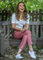 ROYALS - Herzogin Catherine hört im Battersea Park Eltern zu