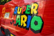 FEATURE - Super Mario Promotion: Der LEGO Super Brick Lieferwagen von Argos wurde mit über 190'000 Lego-Steinen verschönert