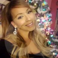 FEATURE - Lookalike: Ex-Militärpolizistin kassiert über 1500 Pfund pro Stunde als Mariah Carey Doppelgängerin