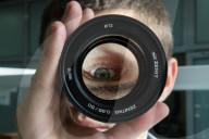 FEATURE - Herstellung von Zenit-Kameraobjektiven bei Moskau