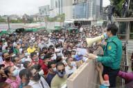 NEWS - Bangladesch: Wanderarbeitnehmer warten auf Flugtickets nach Saudi-Arabien