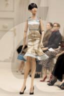 MODE - Mailand Fashion Week Frühling/Sommer 2021: Moschino in Miniaturausführung mit Marionetten