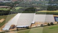 FEATURE - Grösser als die Londoner O2-Arena: Großbritanniens größtes Gewächshausprojekt beginnen im Herbst seine Testphase