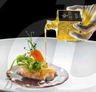 FEATURE - Luxus-Olivenöl mit 24 -Karat Goldplättchen