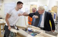 NEWS - Boris Johnson besucht Bauzentrum des Exeter College