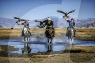 FEATURE - Adlerjäger im Altai-Gebirge: Fotograf zeigt Berkutchi bei der Jagd in der Westmongolei