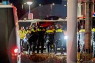 NEWS - Coronavirus: Polizeikontrolle nach Demonstration gegen Ausgangssperre  in Rotterdam