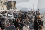 NEWS - Coronavirus: Gut gefüllte Fussgängerzone in Neapel