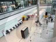 NEWS - Coronavirus: Der nahezu menschenleere Londoner Flughafen Heathrow nach Inkrafttreten der neuen Quarantäne-Regeln