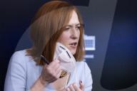 NEWS - Hält die Presse auf dem Laufenden: Bidens Sprecherin Jen Psaki bei einem Briefing