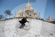 NEWS - Skifahren am Montmartre in Paris