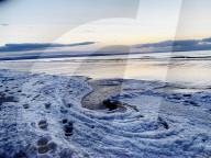 FEATURE - Gefrorener Meerschaum an der Berrow Beach in Somerset