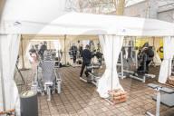 NEWS - Coronavirus: Fitnessstudio McFit eröffnet in Berlin als Outdoorgym