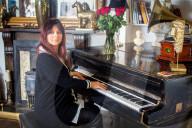 FEATURE - Erfolgreich mit Pseudonym: Pianistin Annabel Bennett schafft den Durchbruch mit einem Männernamen