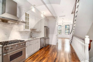 PEOPLE -  Danny DeVito hat mehr als 2 Millionen Dollar fŸr ein Haus in New York hingeblŠttert