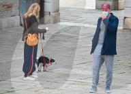 EXKLUSIV -  Liev Schreiber spaziert in Venedig