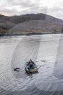 FEATURE - Pendeln für Fortgeschrittene: Krankenschwester Vanessa Rochester rudert im schottischen Norden mit dem Boot zu ihren Patienten