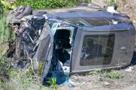 PEOPLE -  Tiger Woods bei schwerem Autounfall verletzt: Das Wrack am Unfallort