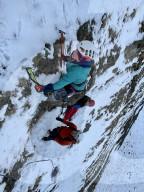 FEATURE - Der 12-jährige Dylan Heason und Vater Matt bezwingen eine Eiswand inklusive gefrorener Wasserfall