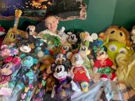 FEATURE - Vernarrt in Disney: Catherine Hamilton hat ihr Zuhause mit tausenden Sammlerstücken geschmückt