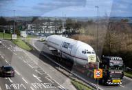 FEATURE - Transport einer Boeing 727 auf dem Motorway nach Bristol