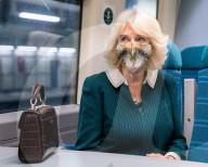"""ROYALS - Camilla, Herzogin von Cornwall, besucht Helfer von """"Rail to Refuge"""""""