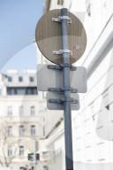 NEWS - Wien testet Verkehrsschild aus Bambus