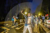 NEWS - Coronavirus: Unbewilligte Party im Bois de la Cambre in Belgien