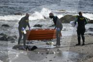 NEWS - Der leblose Körper eines Mannes an einem Strand in Ceuta, Spanien, gefunden